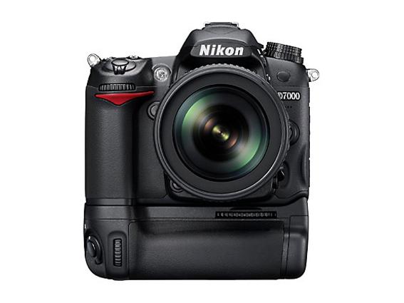 NIKON D7000 VS CANON 7D